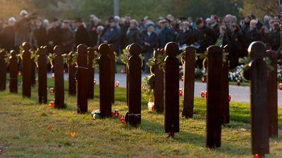 Kopjafák a Gyász téren