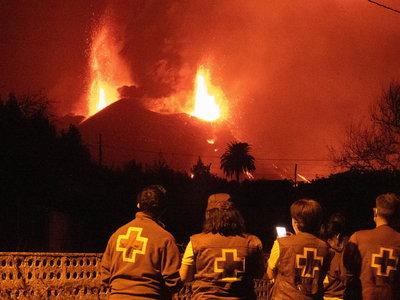 Még mindig ömlik a láva a Cumbre Vieja tűzhányóból a Kanári-szigeteken