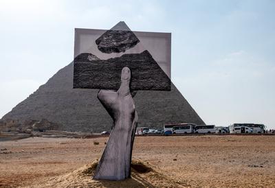 Az első nemzetközi művészeti kiállítás a gízai piramisoknál - különleges fotók