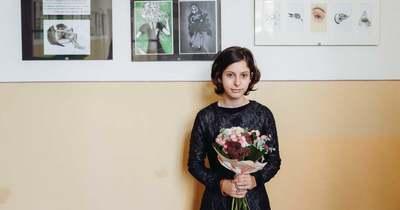 Kiállítással bátorítják Amandát, a félénk, csodálatosan tehetséges soproni diáklányt