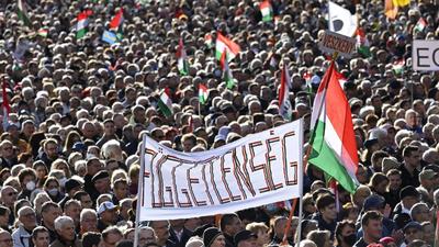 Jámbor András (Facebook): A hétvégi Békemeneten az Átlátszó Dotoho blogja szerint kb. 70 ezren voltak
