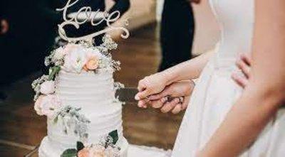 Szétszedték a menyasszonyt undorító tortája miatt