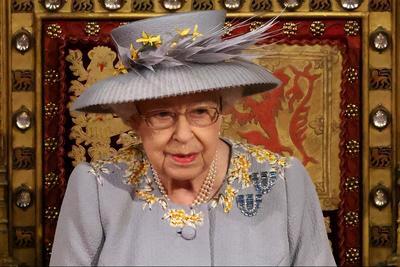 Aggódni kezdtek II. Erzsébetért: titkolózik a palota a királynő egészségügyi állapotáról