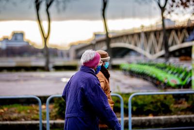 Itt lesz kötelező a maszkviselés Budapesten: megkezdődött a szigorítás