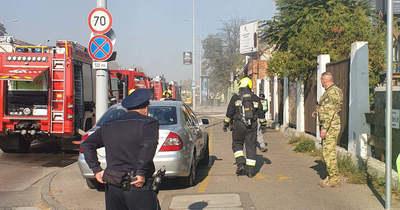 Brutális tűz a Szentendrei úton, lángol az irodaház – Fotók!
