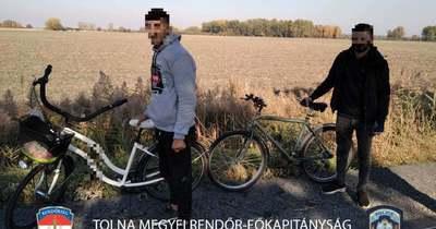 Kerékpáros migránsokat fogtak el Alsónyék térségében