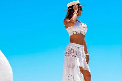 Nem lehet máshova nézni: Rubint Réka kerek mellei majd kiesnek bikinijéből - Fotó