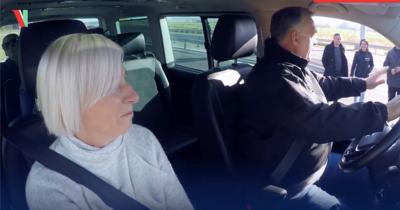 Próbaút M30: Sofőrként próbálta ki magát Orbán Viktor - Videó