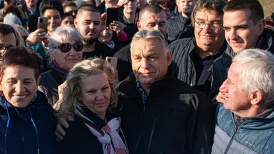 Orbán Viktor kipróbálta az M30-as autópálya legújabb szakaszát
