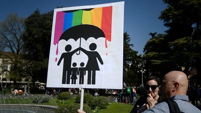 Olasz jobboldali győzelem az LMBTQ-ideológiával szemben
