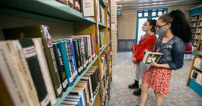 Péntektől kötelező a maszk használata a kecskeméti könyvtárban