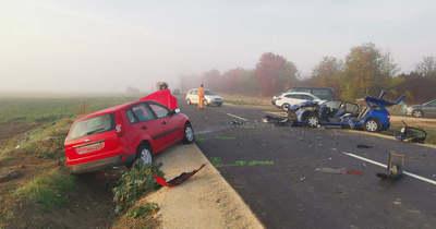 Súlyos baleset Söpténél, teljesen lezárták az utat – fotók