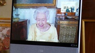 II. Erzsébet királynőnek romlik az állapota: Zúzódások borítják a karját