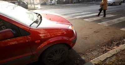 Idős nőt ütött el a zebrán Szegeden, most vádat emeltek ellene