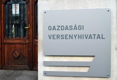"""Jelentős bírságot kapott az """"Év Terméke"""" díjat osztó cég"""
