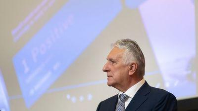 Könnyen kiheveri a rekordbírságot a magyar milliárdos