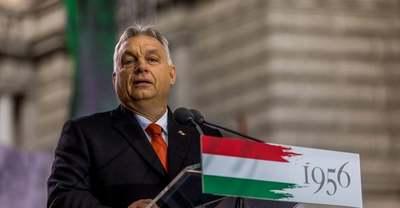 Villantak a vakuk: szelfisztrádán járt Orbán Viktor - Videó