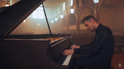 Úgy nyomja el Jacko Badjét a magyar zongoristazseni, ahogy csak ő tudja