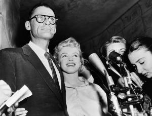 Kalapács alá kerül Marilyn Monroe zsidó imakönyve