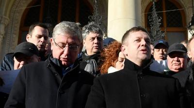 A Jobbikkal vereti szét a DK a szocialista pártot