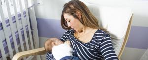 A szoptató anyák karcsúbbak maradnak