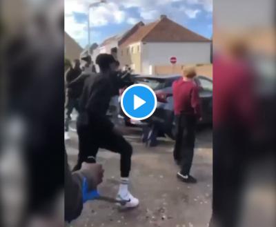 Nyílt utcán lincseltek meg kis híján egy fehér fiatalt a migránsok