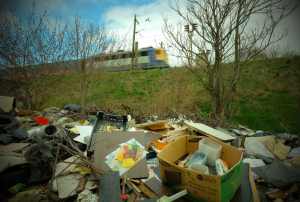 Több száz tonna hulladékot szállított el a MÁV