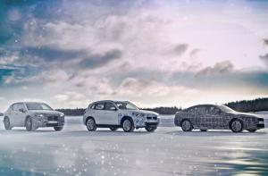 A sarkkörön teszteli új villanyautóit a BMW