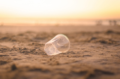 Létrehoztak egy szuperanyagot, ami hatszor gyorsabban bontja le a műanyagot