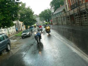 Esőben is több mint ötszáz motoros angyal vonult az esztergomi kórházért