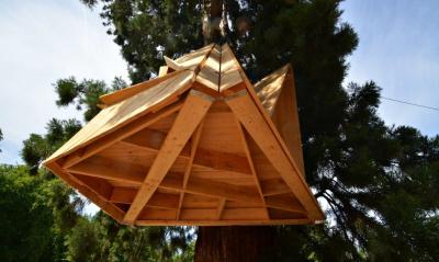 Henyélnénk pár órát ezekben a fáról csüngő dizájnmenedékekben
