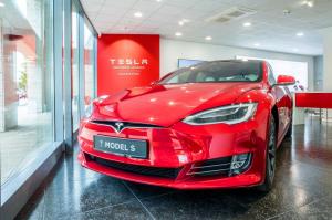 Partraszállás – a Tesla Magyarországon