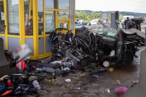 Bedrogozva rohant a magyar autóba a horvát BMW-s