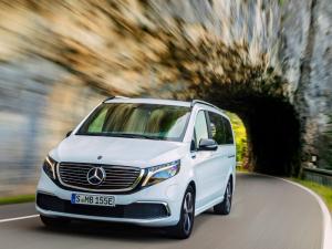 Személyautós kialakítással is választható a Mercedes-Benz elektromos egyterűje