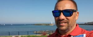 Szorítsunk együtt Mányoki Attiláért, aki nekivágott az Északi-csatorna átúszásának
