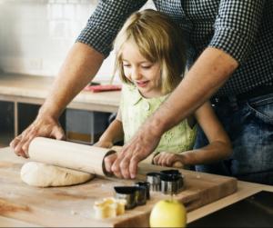 Így szerettesd meg a gyerekkel a főzést - 6 szuper trükk