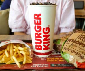 Hatalmas változás jön mától a Burger King gyerekmenüjében!