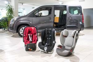 Milyen könnyű a gyermekülések behelyezése az autókba? Ezt vizsgálta az ÖAMTC