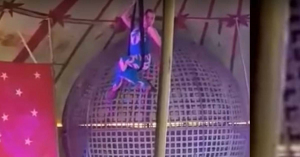 (18+) Lezuhant egy magyar artista előadás közben Vajdahunyadon (videó)