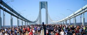Elütötte egy busz, majd maratonit futott