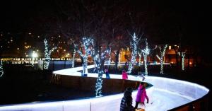 Látványos jégfolyosón korcsolyázhatunk idén télen