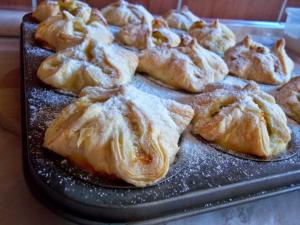 Expressz túrós batyuk muffinsütőben sütve