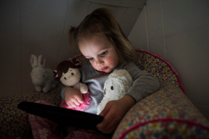 UNICEF: minden harmadik internetező kiskorú