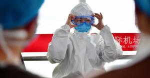 Külföldi szakértőket fogad a járvány jobb megismerése érdekében Kína