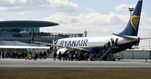 Elnézést kért a Ryanair a fogvatartott utasok miatt
