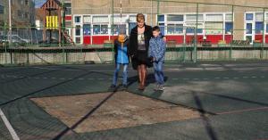 Tolvaj járt az iskolában, a sportpálya gumiborítása kellett neki