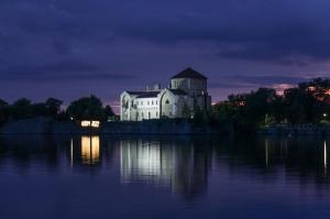 Elképesztő fotó a tatai várról: talán még sosem láttuk ilyen gyönyörűnek!