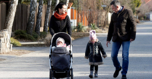 A veszélyhelyzetben sem nyúlt a kormány a családtámogatásokhoz