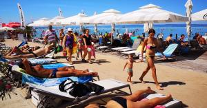 Siófokon pünkösdkor megnyílik a turisztikai szezon – ingyen mehetünk a Plázsra