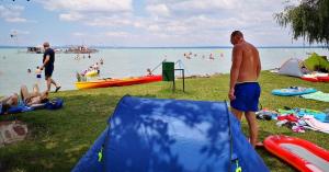 Megteltek a strandok július első hétvégéjén